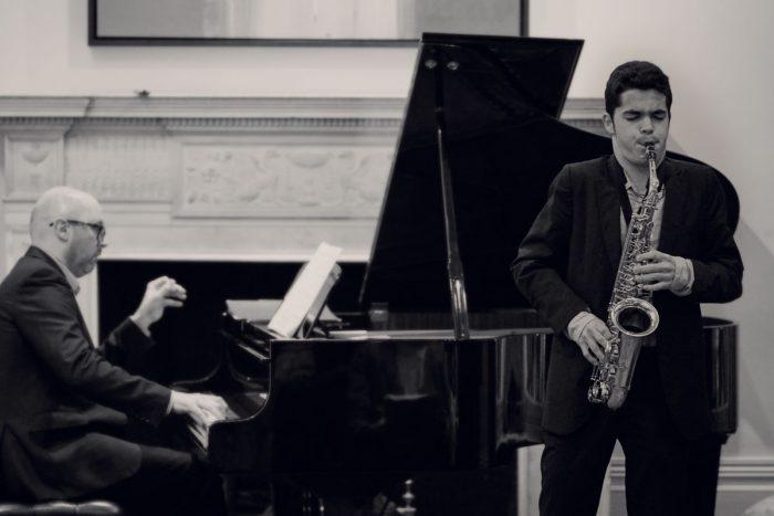 Compositor y saxofonista Nacho Mana